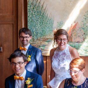 Photo de mariage prise dans une mairie du Nord de la France